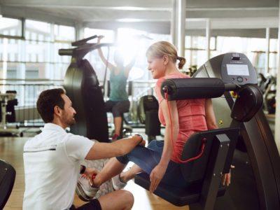 Qualifizierte Trainer begleiten durch das Bewegungs & Gesundheits Programm.