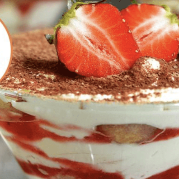 leckeres Erdbeer Tiramisu